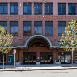 950 Broadway building